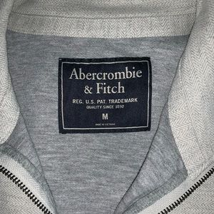 Abercrombie and Fitch Men's Half Zip Pullover